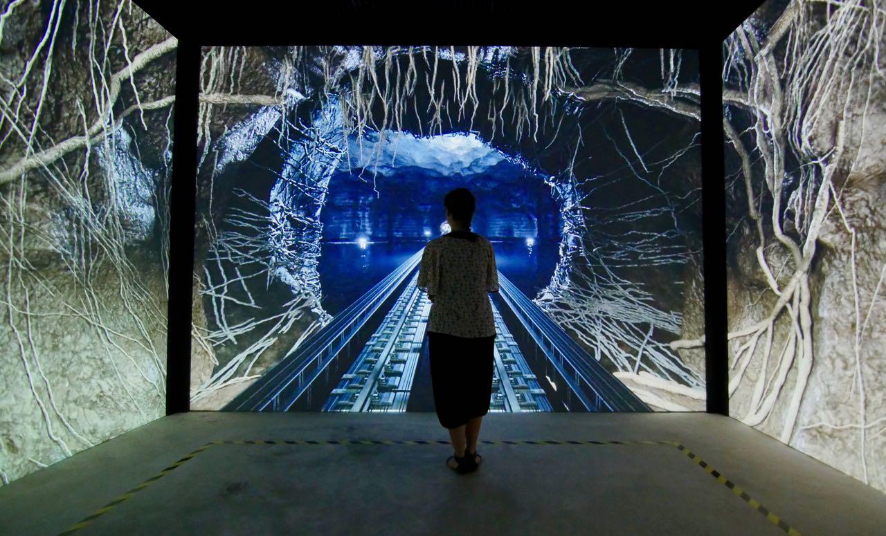 MelindaGoldenTheatre - Esperienza Immersiva - Radici
