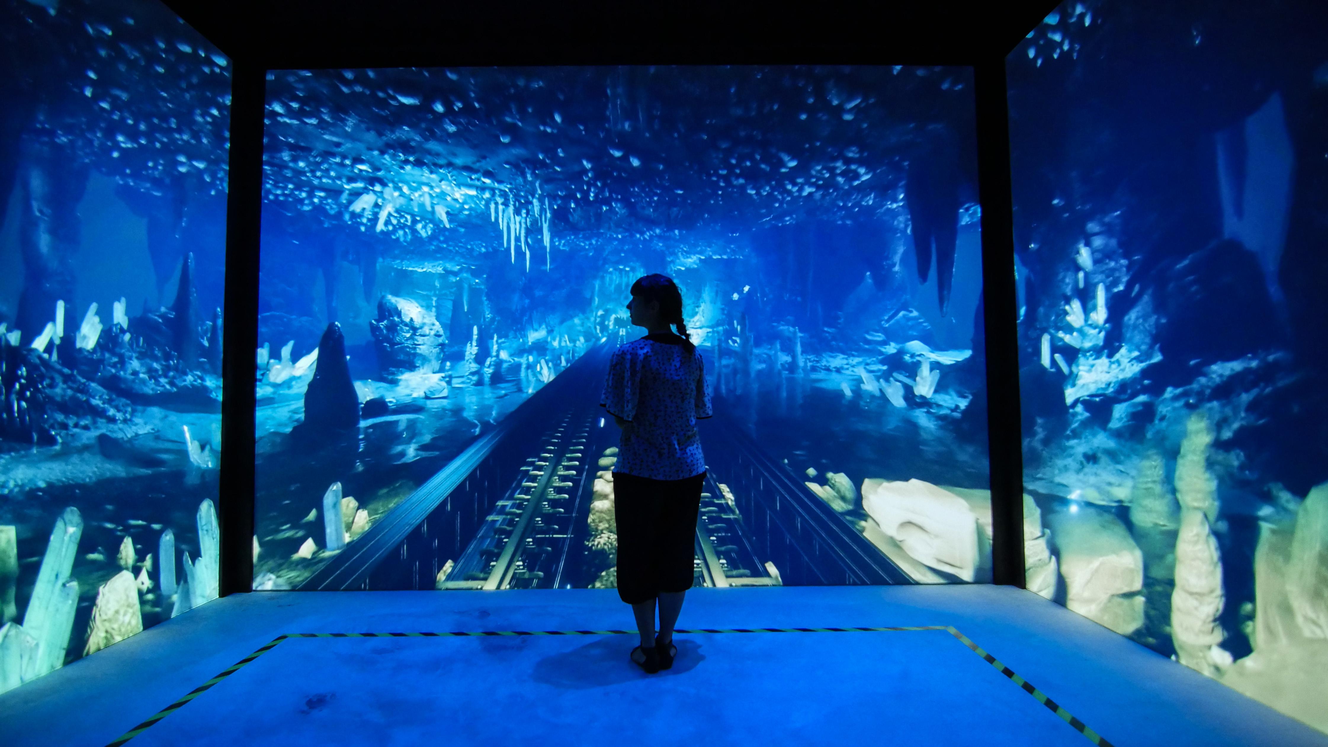 MelindaGoldenTheatre- Esperienza Immersiva - Grotte